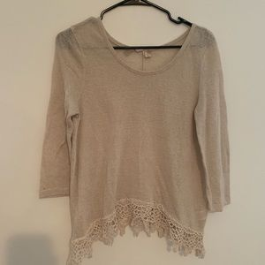 Size S Francesca's quarter length top